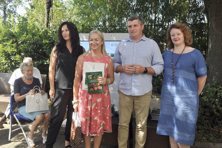 Vazma Malnar iz Tršća nagrađena za najljepši vrt Gorskog kotara