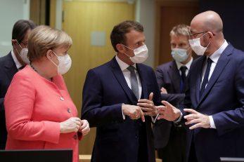 Angela Merkel, Emmanuel Macron i Charles Michel / REUTERS