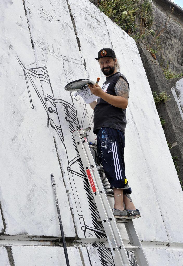 : Mural koji će naslikati Miron Milić bit će posvećen dobu korone / Snimio Damir ŠKOMRLJ