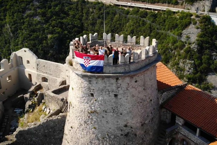 I u ratu i u miru ljubim te moja Hrvatska / sreenshot