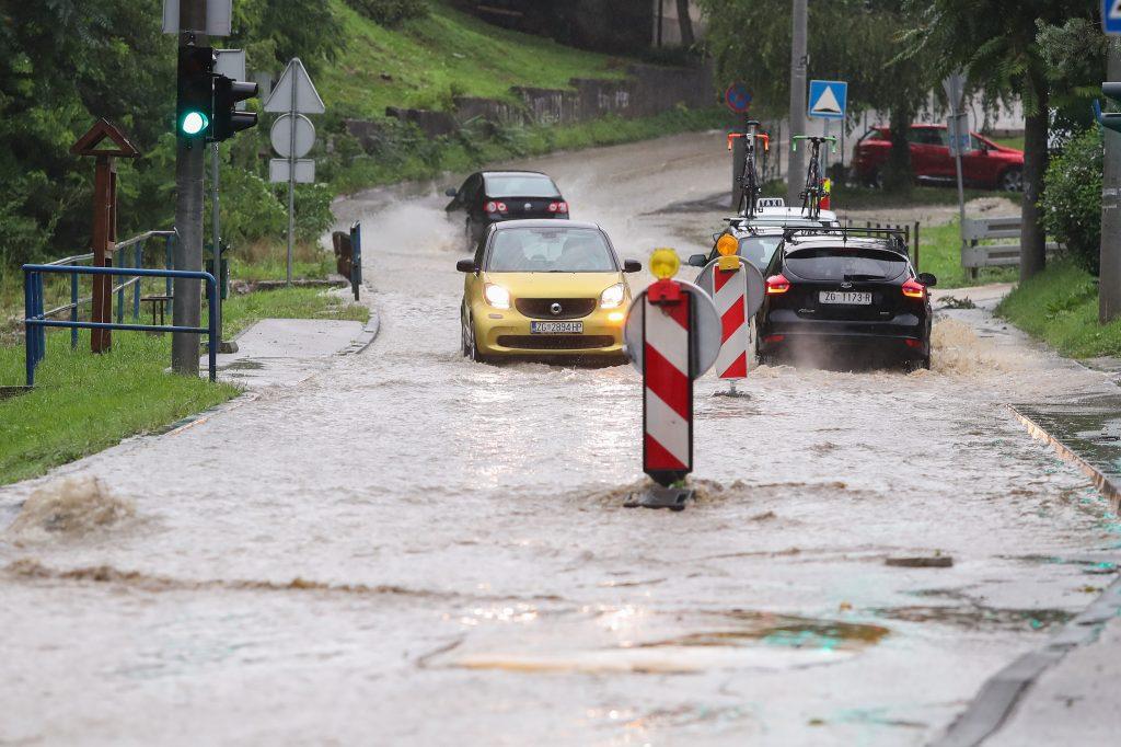 Nevrijeme u Zagrebu / Foto Luka Stanzl/PIXSELL