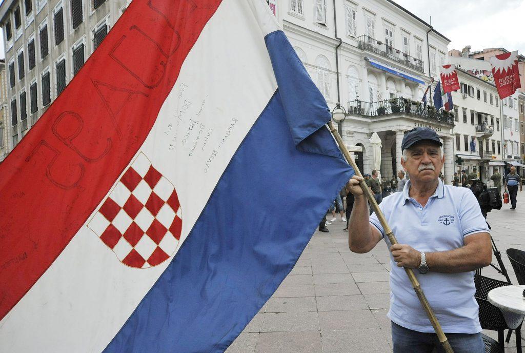 Borivoj Oblak se pojavio s istom onom zastavom s kojom je došao u Rijeku 1995. godine