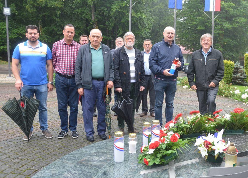 Počast Domovinskom ratu u Delnicama odali su i članovi SDP-a te predstavnici Općine Lokve