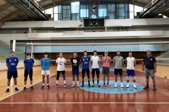 NOVI POČETAK - Trener Velimir Liverić na prvom treningu okupio je deset igrača