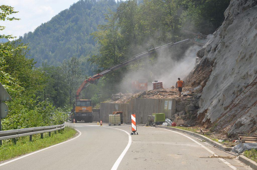 Sanirano klizište na cesti nedaleko Lošca