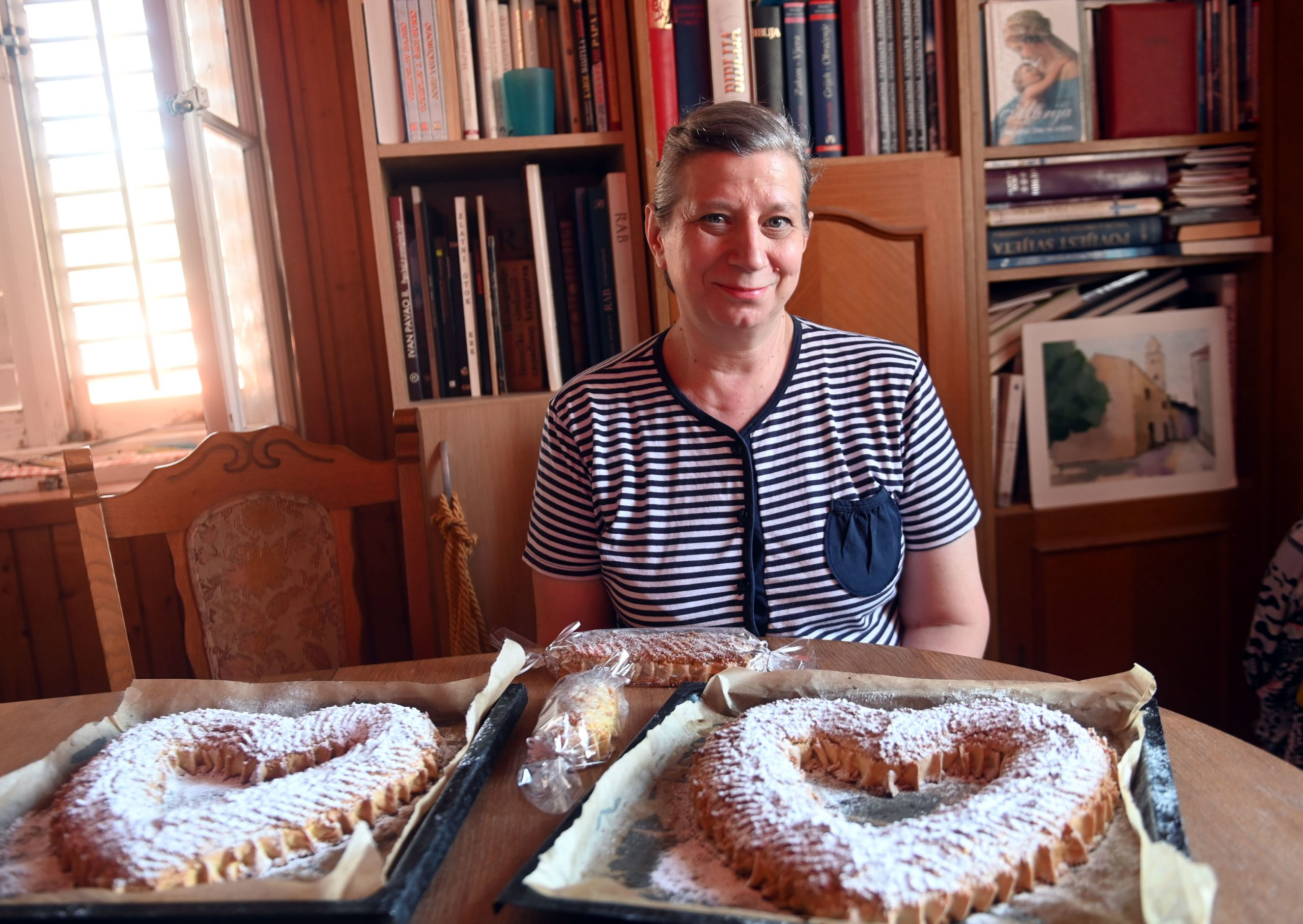 Dunja Brnjac s rapskom tortom u obliku srca i štangica / Foto Vedran Karuza