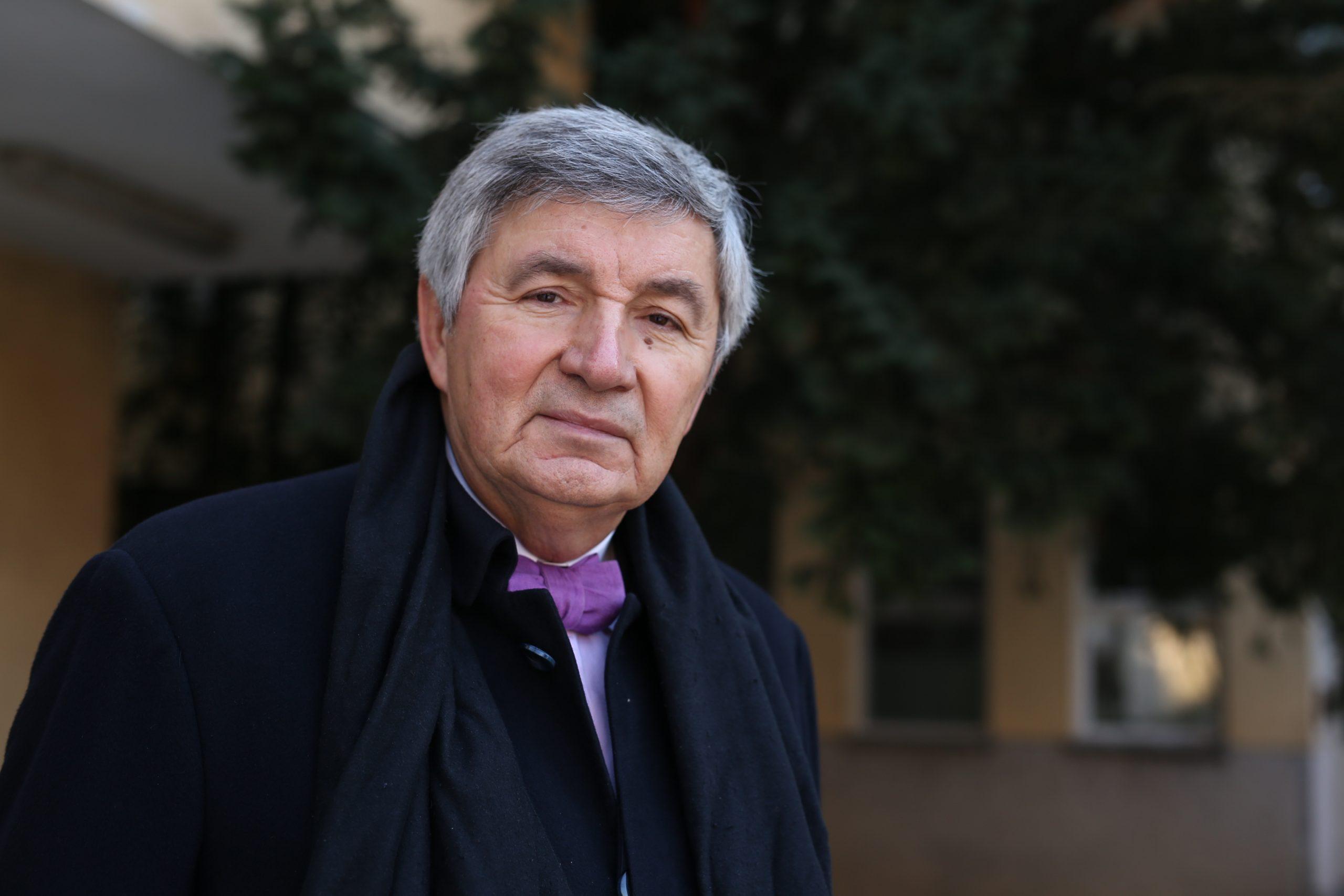 Od posljedica koronavirusa u Parizu preminuo poznati hrvatski intelektualac Ante  Glibota - Novi list