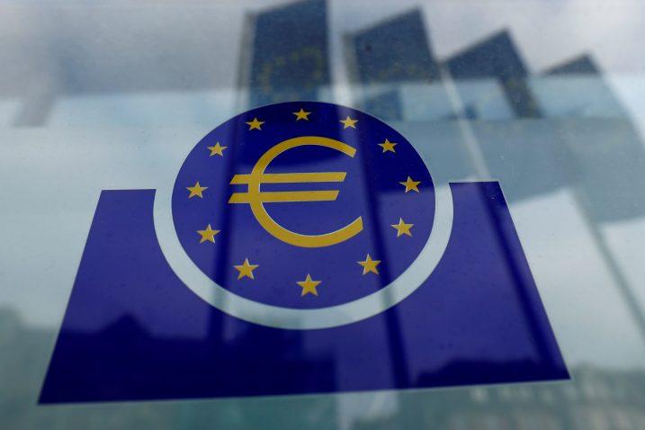Europska središnja banka politikom niskih kamata nastoji povećati investicijsku potrošnju i spriječiti snažan pad zaposlenosti u EU-u / Reuters