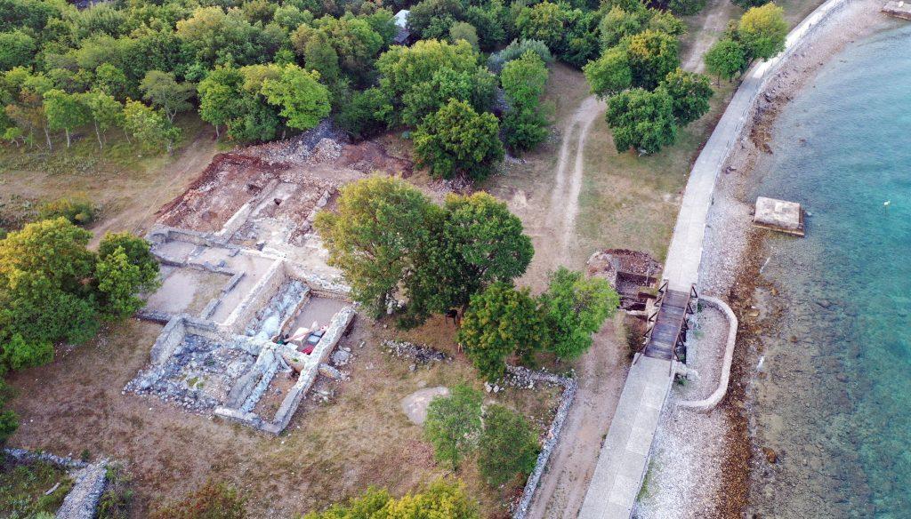 Arheološka istraživanja na lokalitetu Mirine - Fulfinum ove su godine bila koncentrirana na sektor kasnoantičke vile u kojem je prije tri godine pronađen glasoviti bjelokosni Mirinski češalj / Foto M.C.BULLY