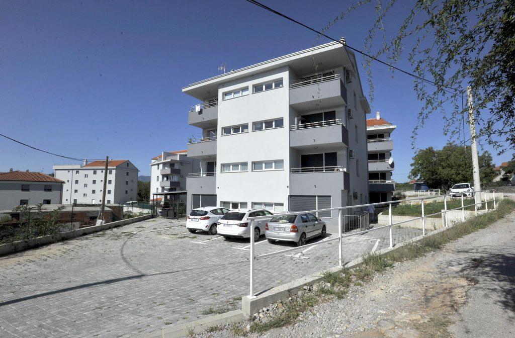 Novo stambeno naselje u Širolima / Snimio Damir ŠKOMRLJ