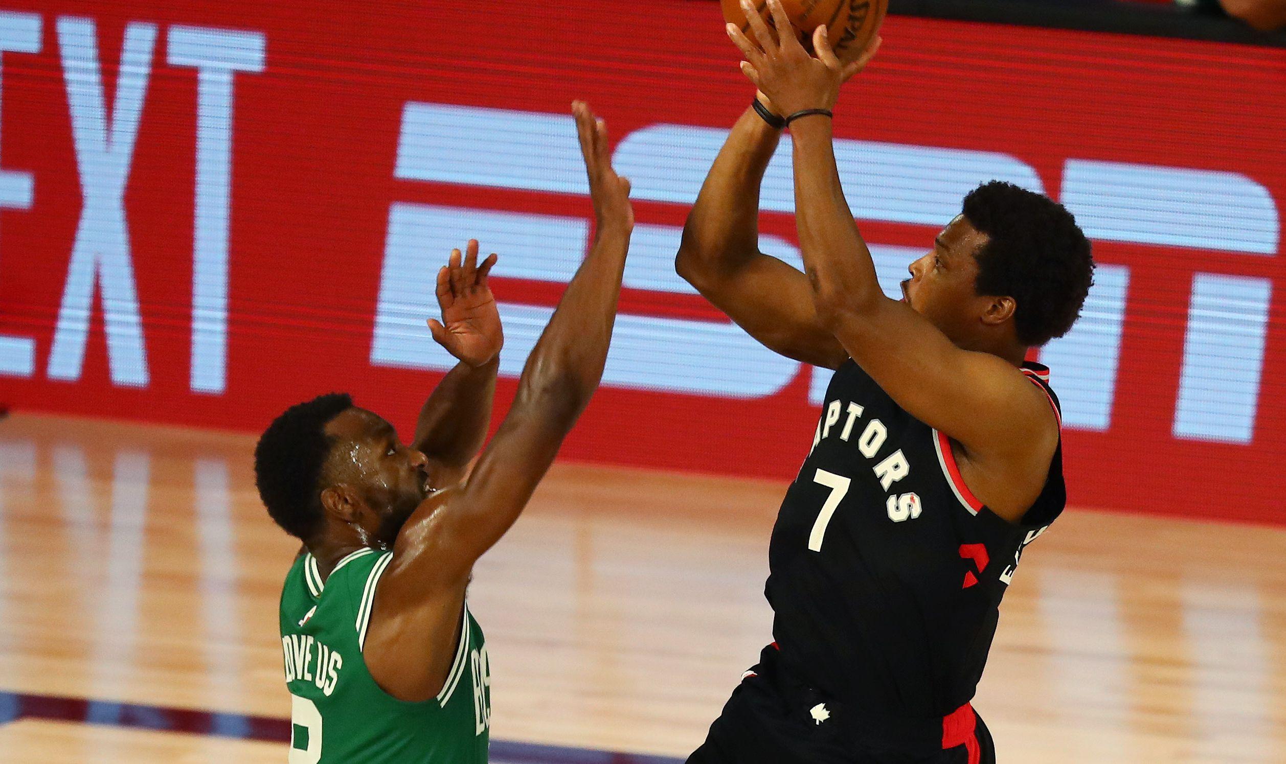 Kemba Walker (Boston) i Kyle Lowry (Toronto)/Foto REUTERS