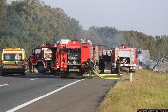 U stravičnoj nesreći na autocesti A3 kod Ježeva poginulo je dvoje vozača šlepera nakon sudara i zapaljenja čak pet vozila / Foto ZELJKO LUKUNIC/PIXSELL
