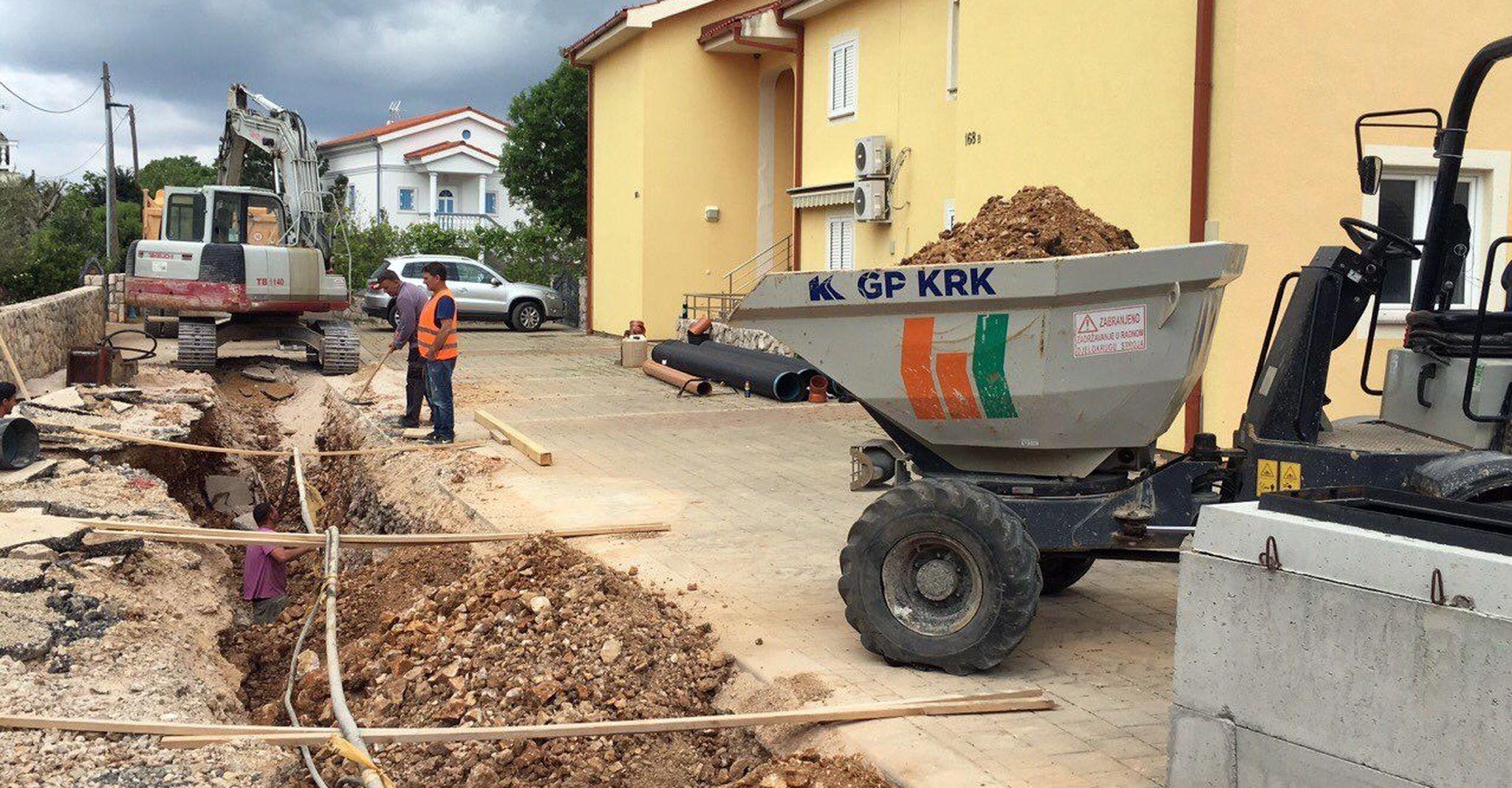 : Radovi na izgradnji kanalizacijskog sustava na otoku Krku idu prema svome kraju / Snimio M. TRINAJSTIĆ