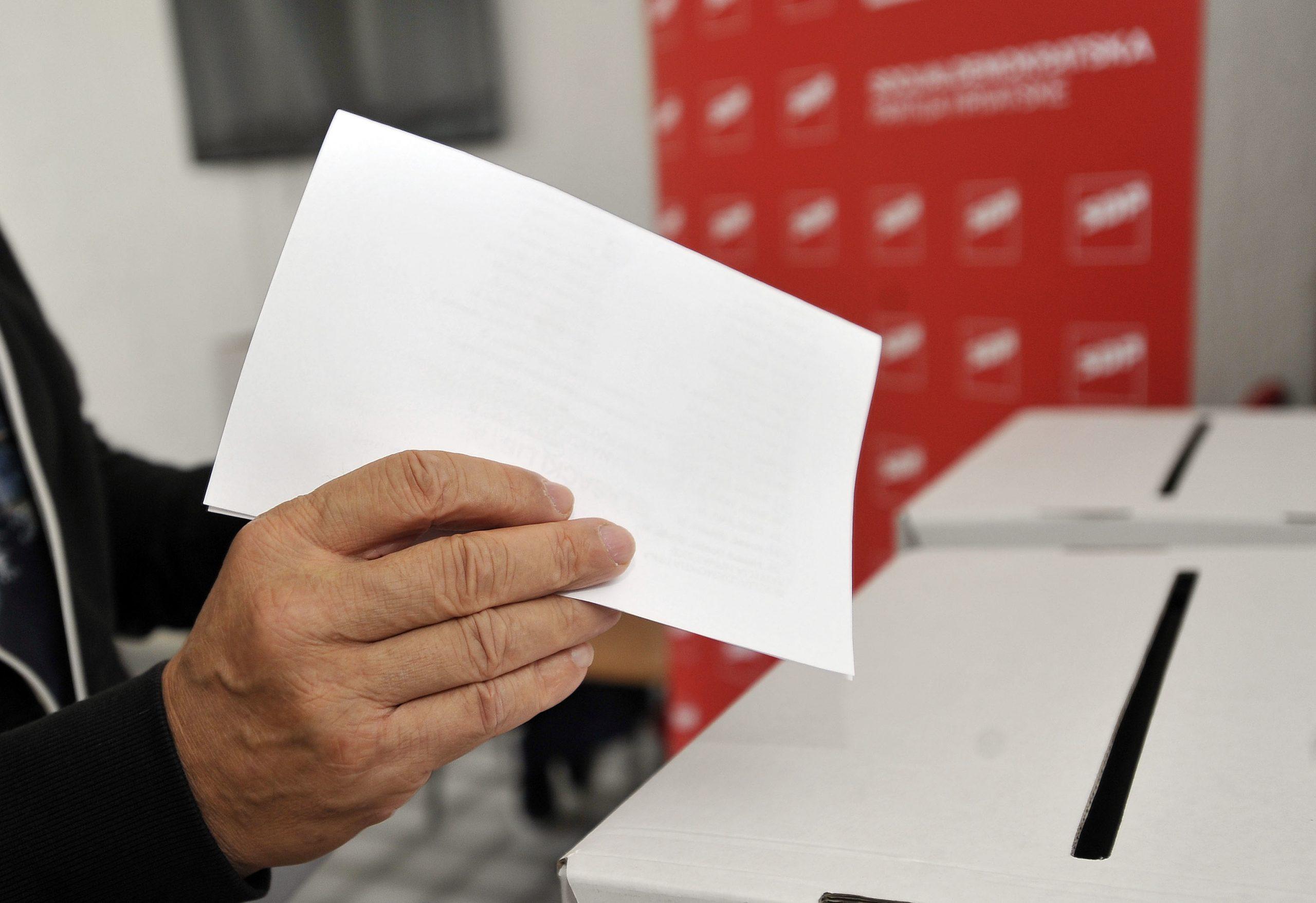 Glasovanje za vodstvo SDP-a / Snimio Davor KOVAČEVIĆ