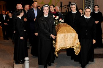 Marija Kozulić vratila i svome gradu i svojim duhovnim kćerima koje su i u najtežim vremenima vjerno nastavile njezinu karizmu i ljubav / Snimio Marko GRACIN