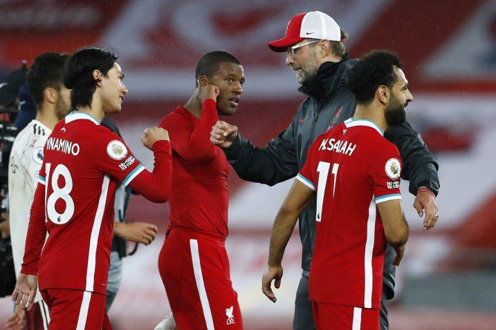 Jurgen Klopp čestita igračima istekom utakmice/Foto REUTERS