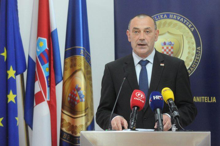 Ministar hrvatskih branitelja Tomislav Medved više je pripadnik veteranskih udruga nego što je ministar / Foto Darko JELINEK