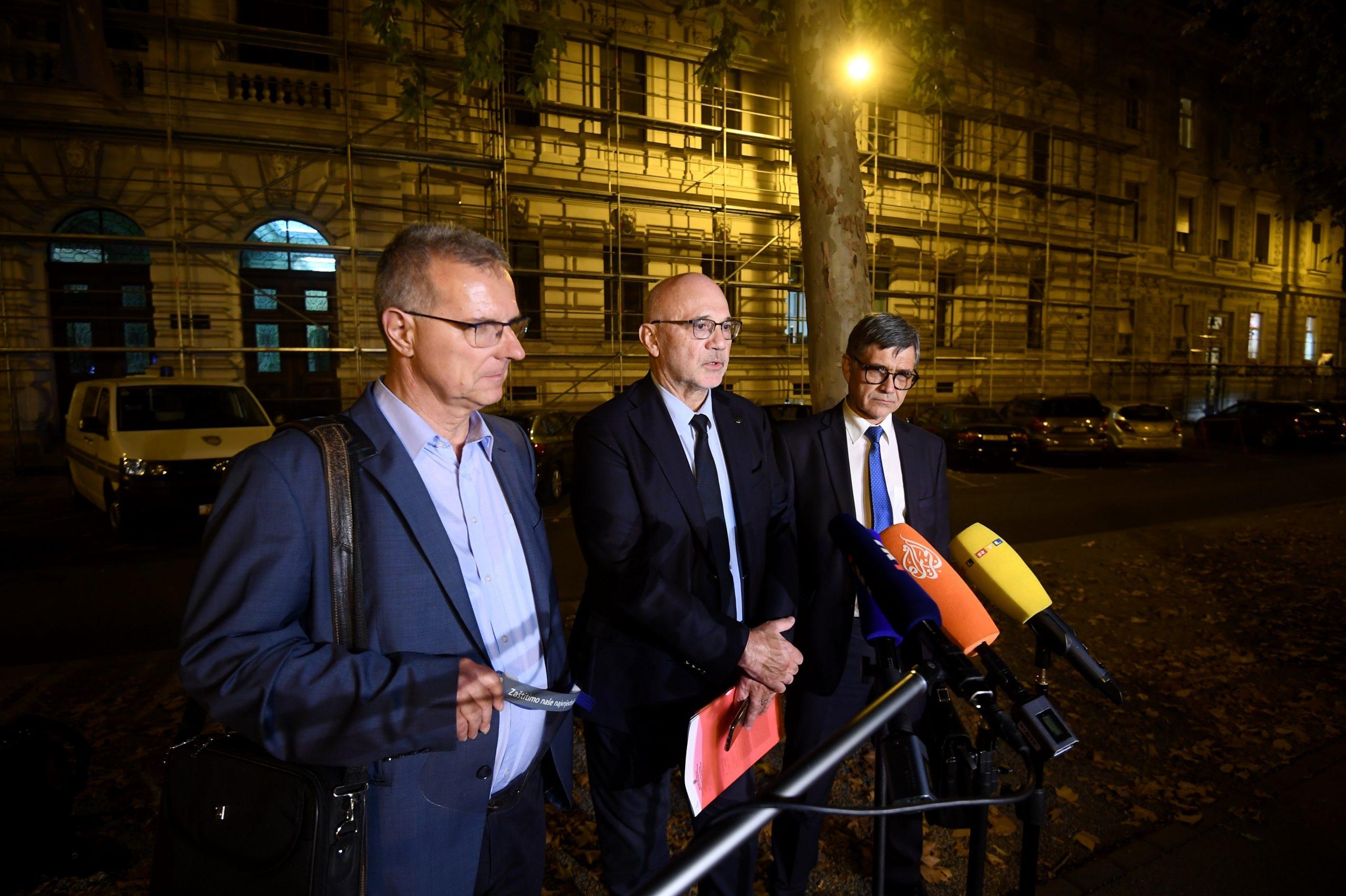 Odvjetnici nakon izlaska iz zgrade Zupanijskog suda u Zagrebu / Foto Marko Lukunic/PIXSELL
