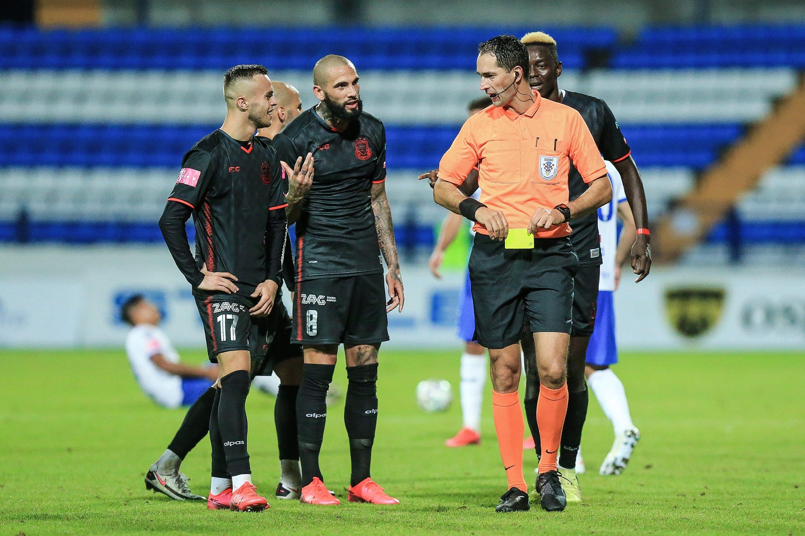 Igrači Gorice uzalud su protestirali kod suca Vidulina/Foto PIXSELL