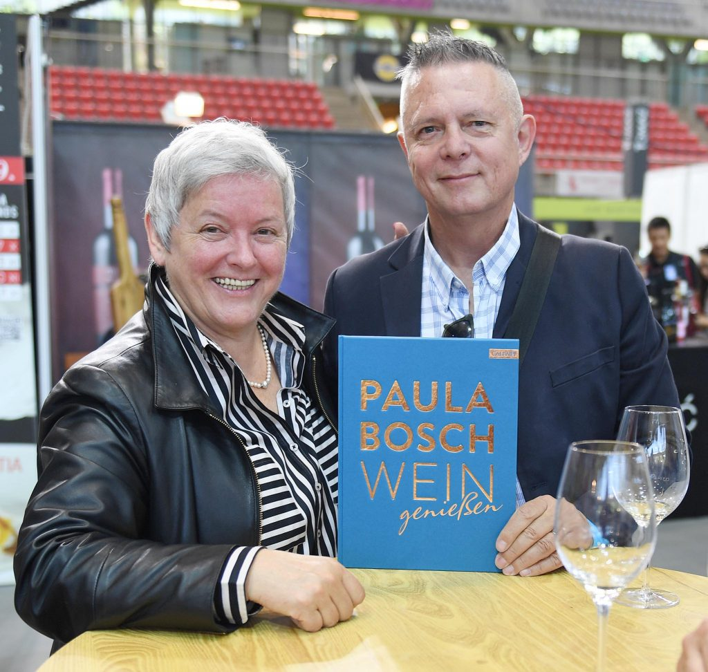 Paula Bosch i novinar Novog lista Edi Prodan na prošlogodišnjoj Vinistri / Snimio Ivica TOMIĆ