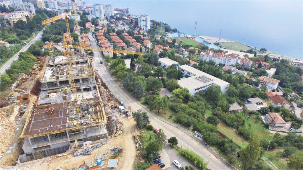 Gradilište novog stambenog kompleksa na Kantridi snimljeno iz zraka / Foto Sergej DRECHSLER