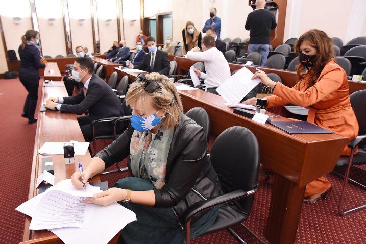 Potpisnici Sporazuma o udruživanju lokalnih TZ-a / Snimio Sergej DRECHSLER