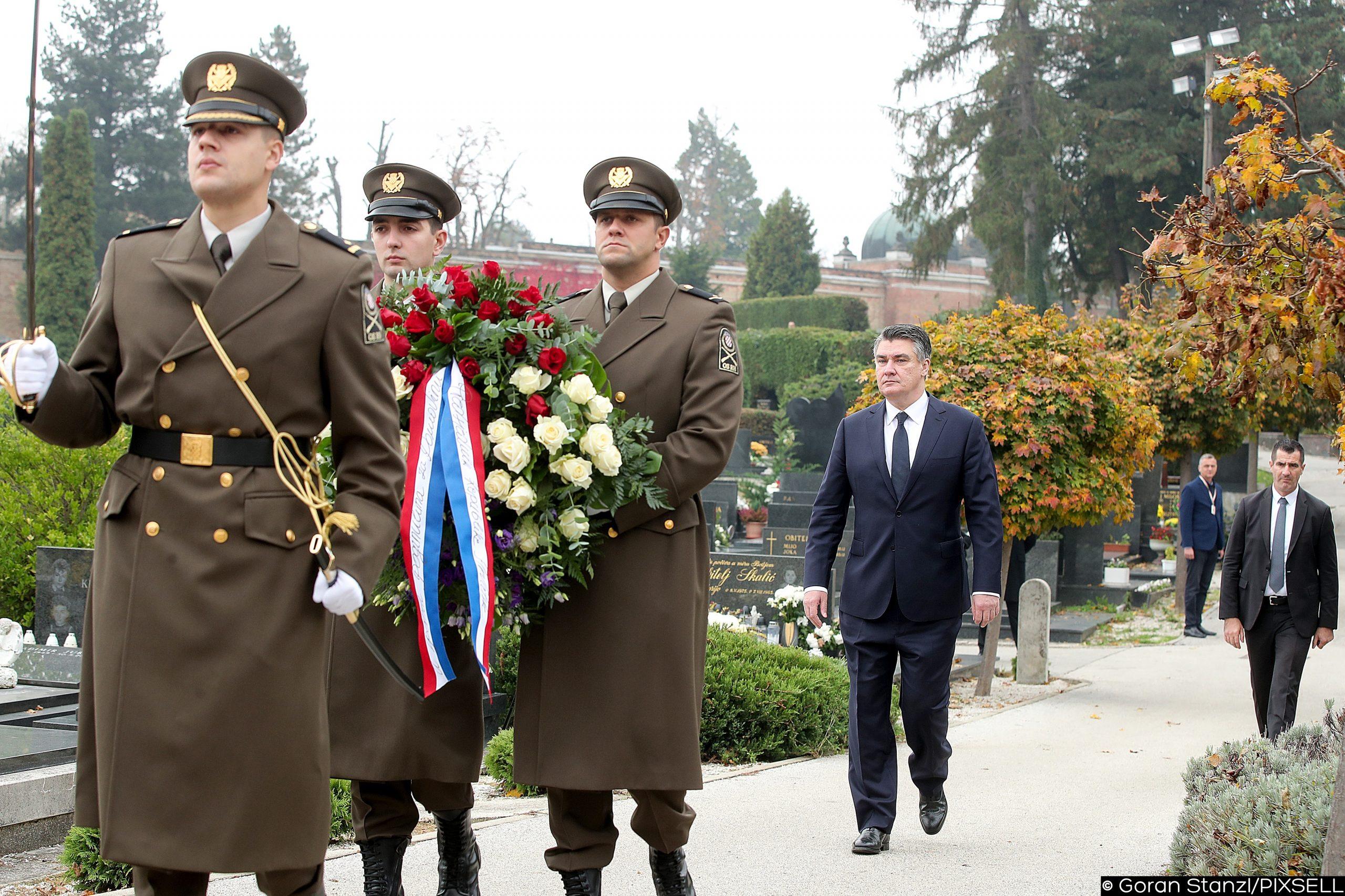: Pozvao premijera i predsjednika Sabora da svi zajedno jučer odaju počast poginulima - Zoran Milanović / Foto GORAN STANZL/PIXSELL