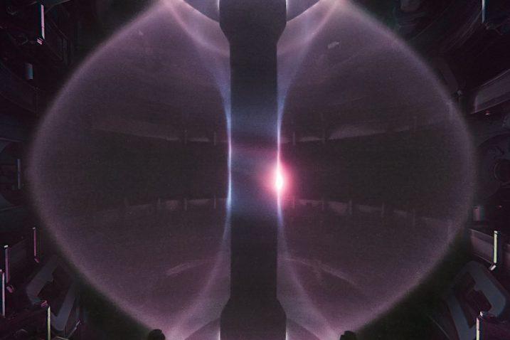 Fotografija plazme u uređaju MAST. Izvor: UKAEA