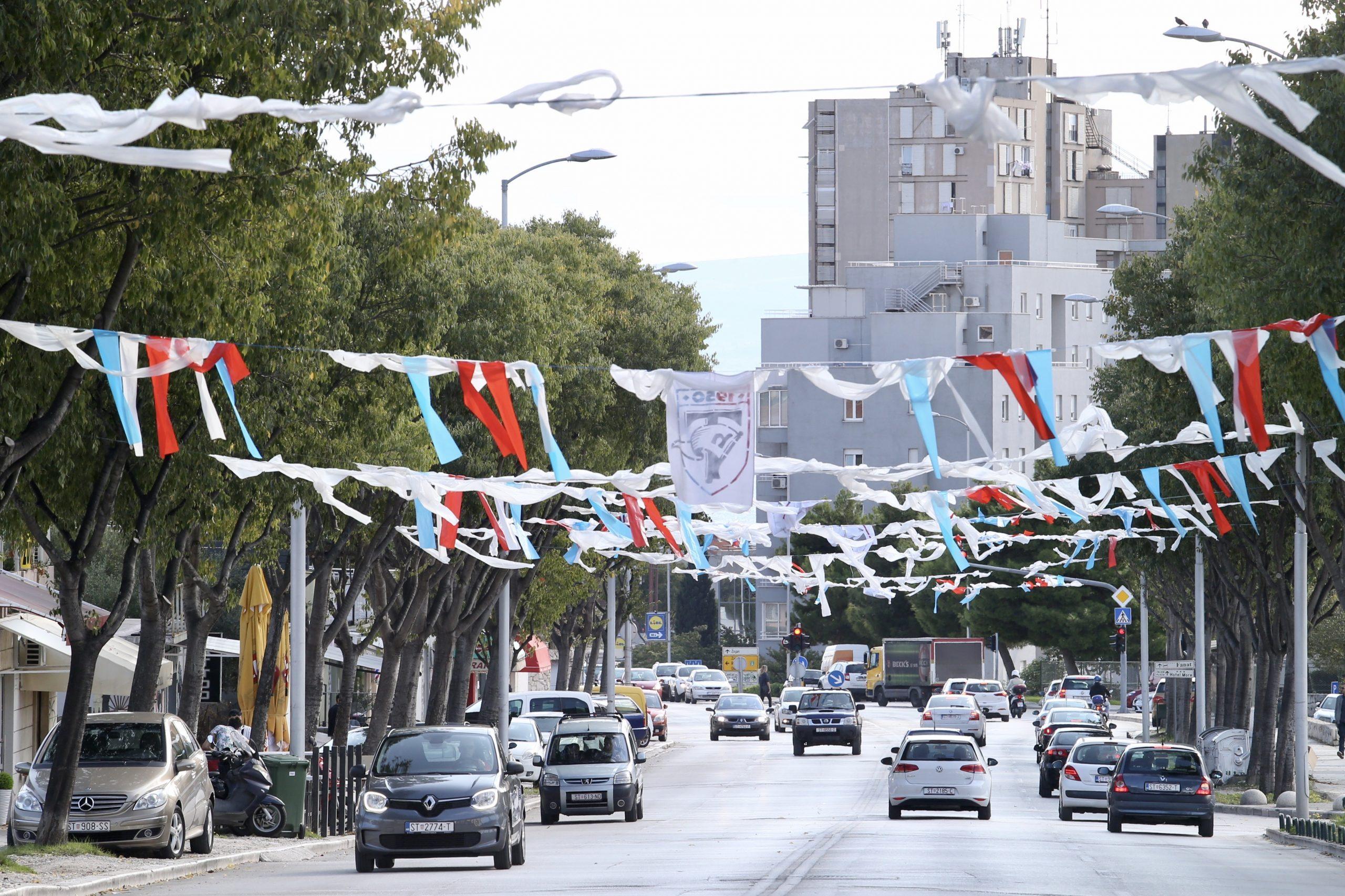 Splitske ulice u Hajdukovim bojama/Foto PIXSELL