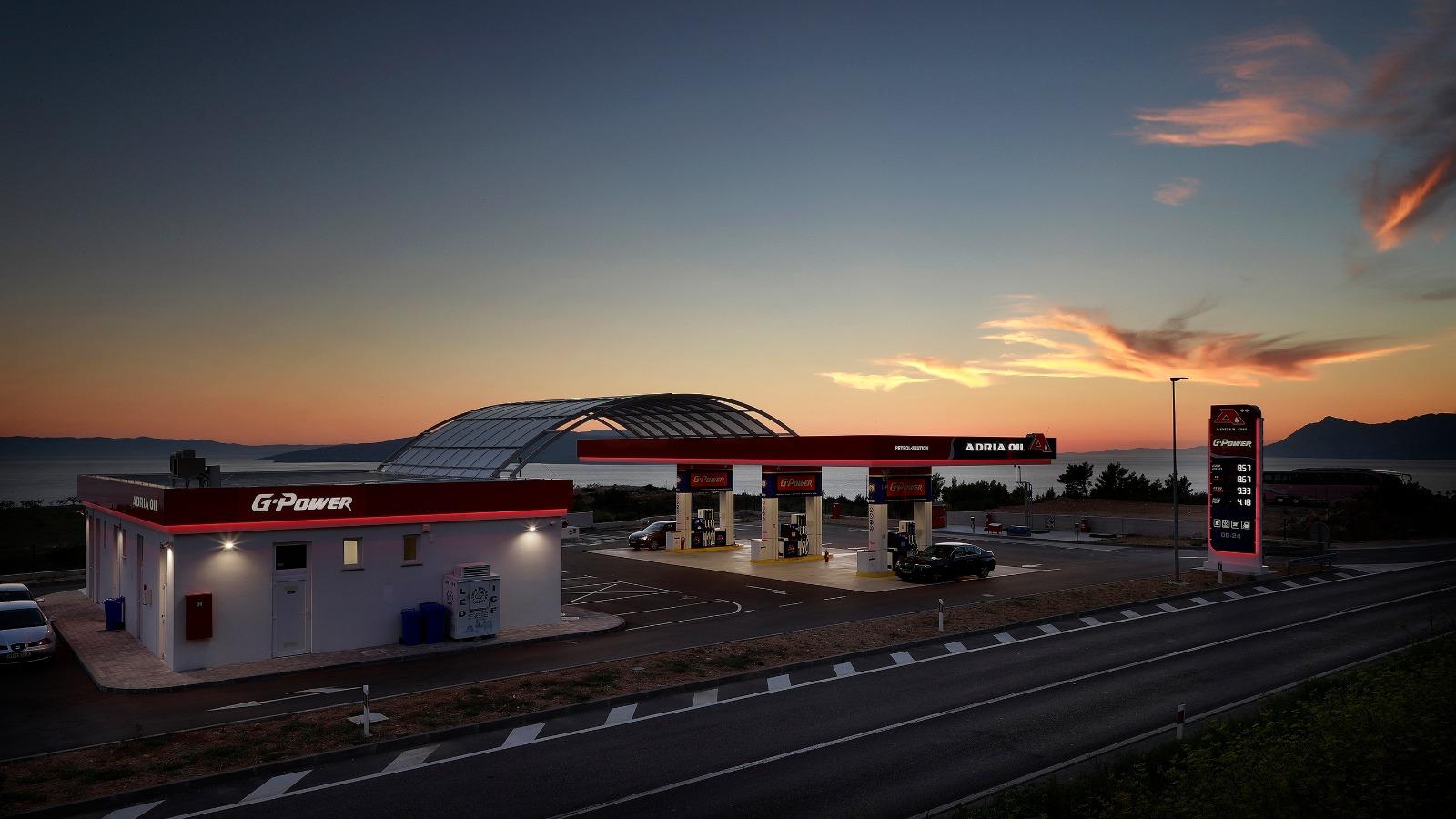 Nova Adria oil beznisnka postaja u Makarskoj
