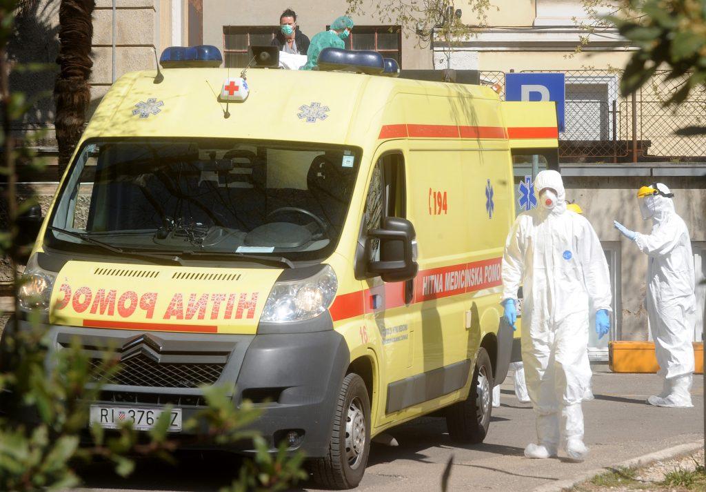 Trećina hospitaliziranih u KBC-u Rijeka ima teške kliničke slike. Od idućeg tjedna u ispomoć stižu novi kadrovi
