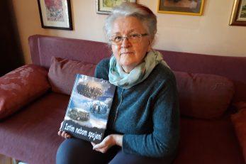 »Istim nebom spojeni« treća je knjiga Nade Glad u posljednje četiri godine / Foto M. KRMPOTIĆ