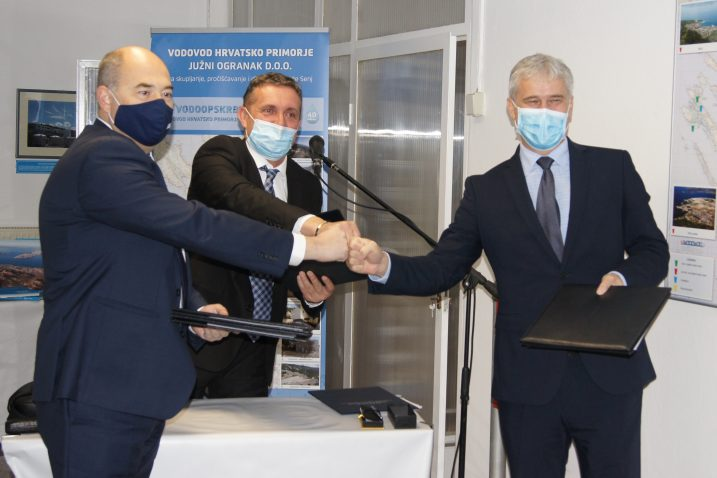 Frane Barbarić, Milan Nekić i Zoran Đuroković na svečanosti u Hrmotinama