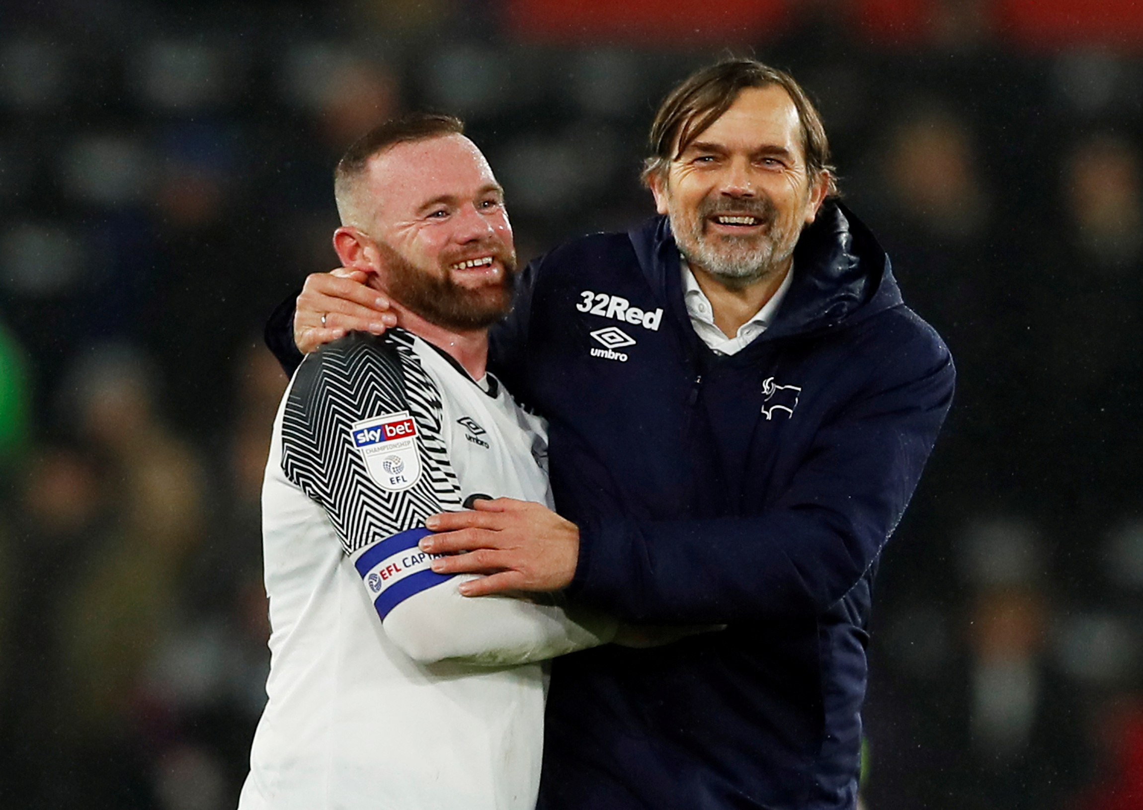 Wayne Rooney i Phillip Cocu/Foto REUTERS