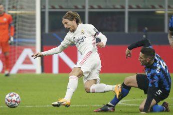 Luka Modrić (Real Madrid) i Roberto Gagliardini (Inter)/Foto REUTERS