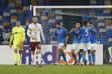 Ivan Nevistić i Stjepan Lončar dok igrači Napolija slave prvi pogodak/Foto REUTERS