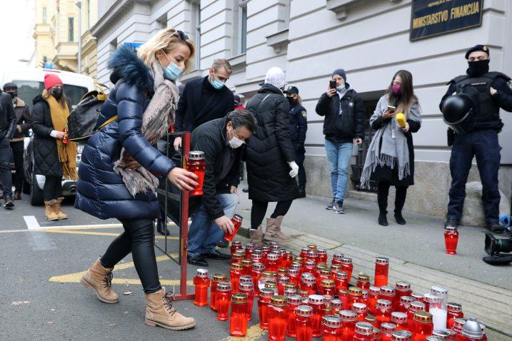 Prosvjed poduzetnika ispred ministarstva financija / Patrik Macek/PIXSELL