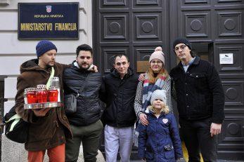 Riječki ugostitelji prosvjeduju pred Ministarstvom financija / Snimio Davor KOVAČEVIĆ