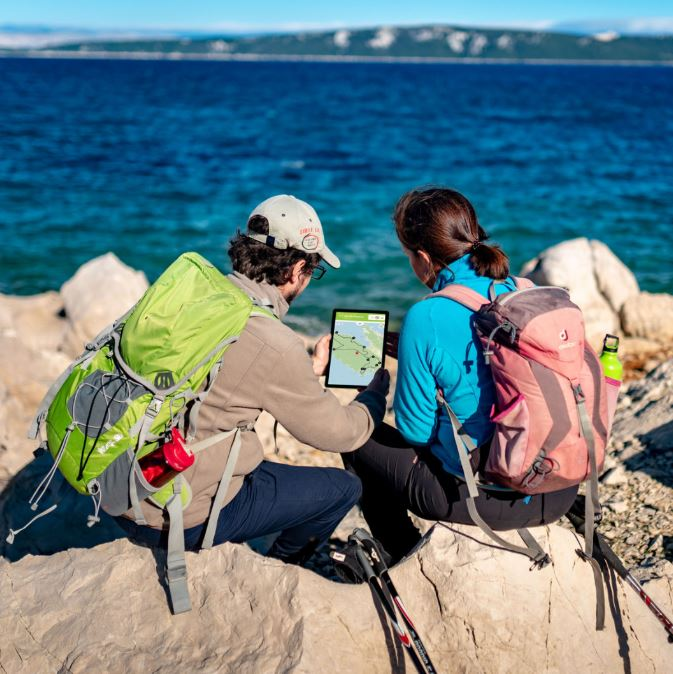 Vodič za individualno istraživanje otoka / Snimio H. HODAK