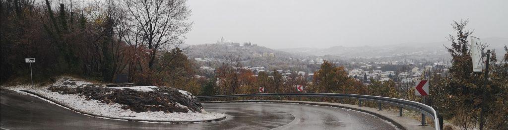 Rukavac u zagrljaju snježnih pahuljica / Snimila Marina KIRIGIN