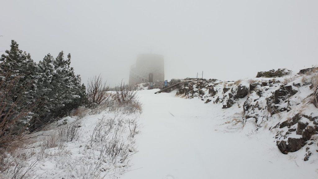 Na učkarskom vrhu Vojaku temperatura je bila minus tri / Foto PARK PRIRODE UČKA