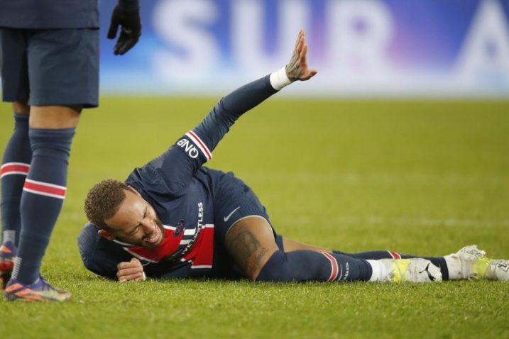 Neymar se pri kraju utakmice teško ozlijedio/Foto REUTERS