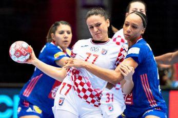Valentina Blažević u stisku s Beatrice Edwige/Foto REUTERS
