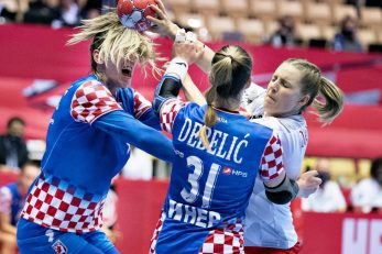 Mičijević i Debelić zaustavljaju Lauru Damgaard/Foto REUTERS