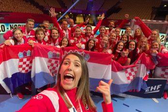 NAJUGODNIJE IZNENAĐENJE - Ćamila Mičijević sa suigračicama u reprezentaciji