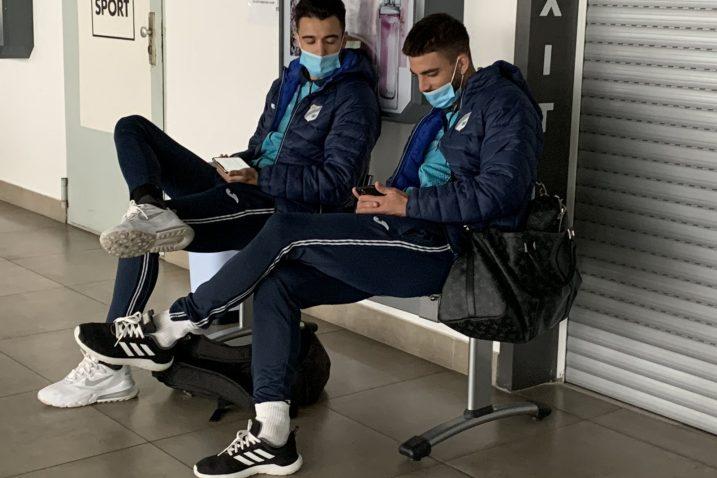 Igrači Rijeke u krčkoj zračnoj luci kroz objektiv Matea Sučića