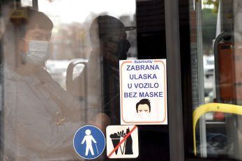 U vozilo se ne može bez zaštitne maske / Foto : S. DRECHSLER