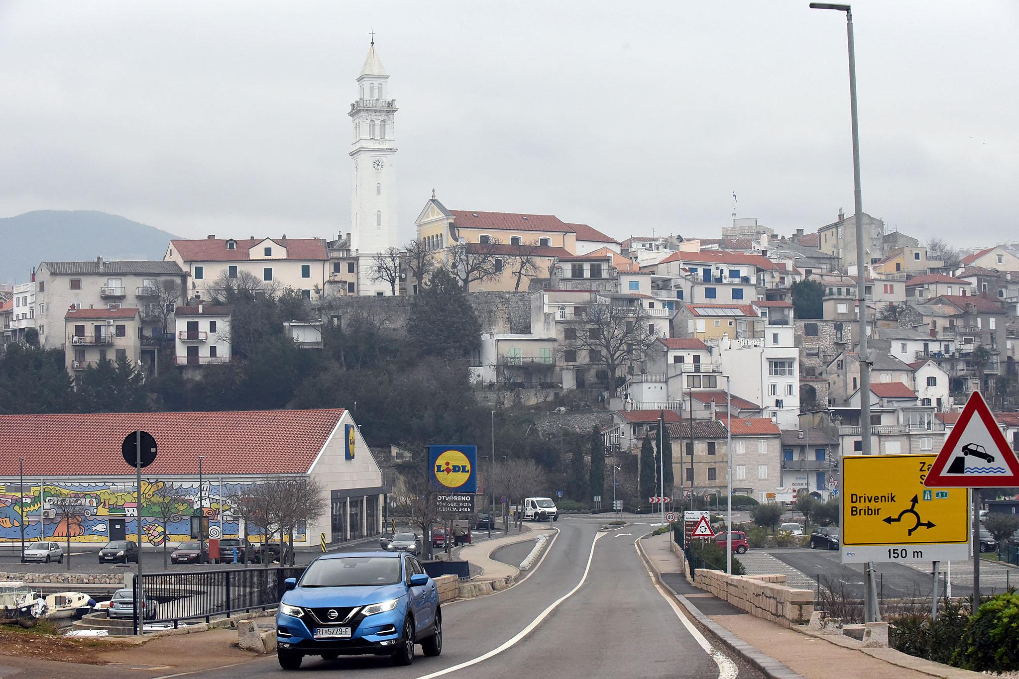 Novi Vinodolski - zaobilaznica od 6,5 kilometara trebala bi smanjiti gužve u ljetnim mjesecima / Foto S. DRECHSLER