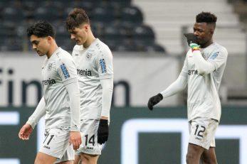 Razočarani igrači Bayera nakon poraza/Foto: REUTERS