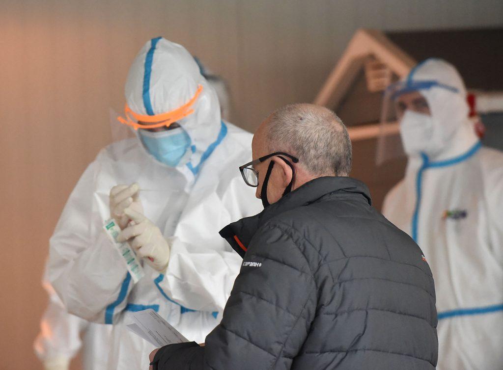 Svjetska zdravstvena organizacija: Druga godina pandemije mogla bi biti još teža, naročito na sjevernoj hemisferi